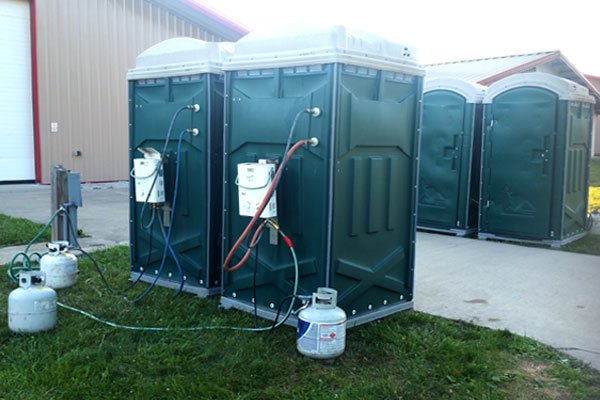 Portable Trailers Work : Indianapolis portable hot water shower rentals